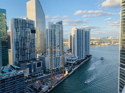 Photo for Luxury 1/1 Apartment river views Icon Brickell