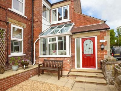 Photo for OAKLEIGH HOUSE, family friendly, with a garden in Nawton, Ref 924570