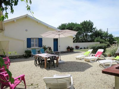 Photo for Vacation home Château Pontac-Gadet 2  in Jau - Dignac - Loirac, Aquitaine - 5 persons, 2 bedrooms