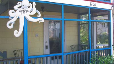 Built in 1964 as an artist studio, the Lair has old style Tybee charm!