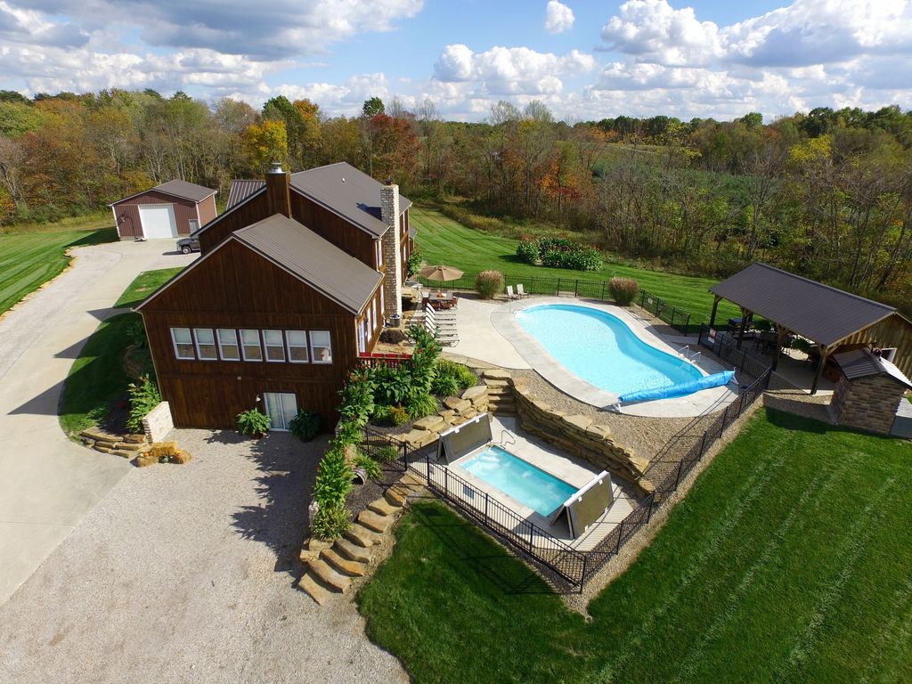 FEATURED On HomeAways Exclusive Luxury Site Ohio Luxury Lodging Official  Member