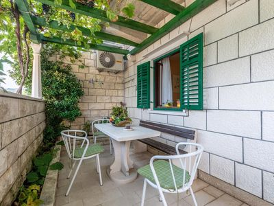 Photo for One bedroom apartment with terrace and sea view Pučišća, Brač (A-5625-b)