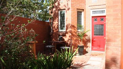 Photo for Heritage villa apartment for four - city fringe