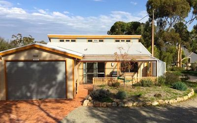 Bundalee Cabins- Pistachio cabin, access and pet friendly
