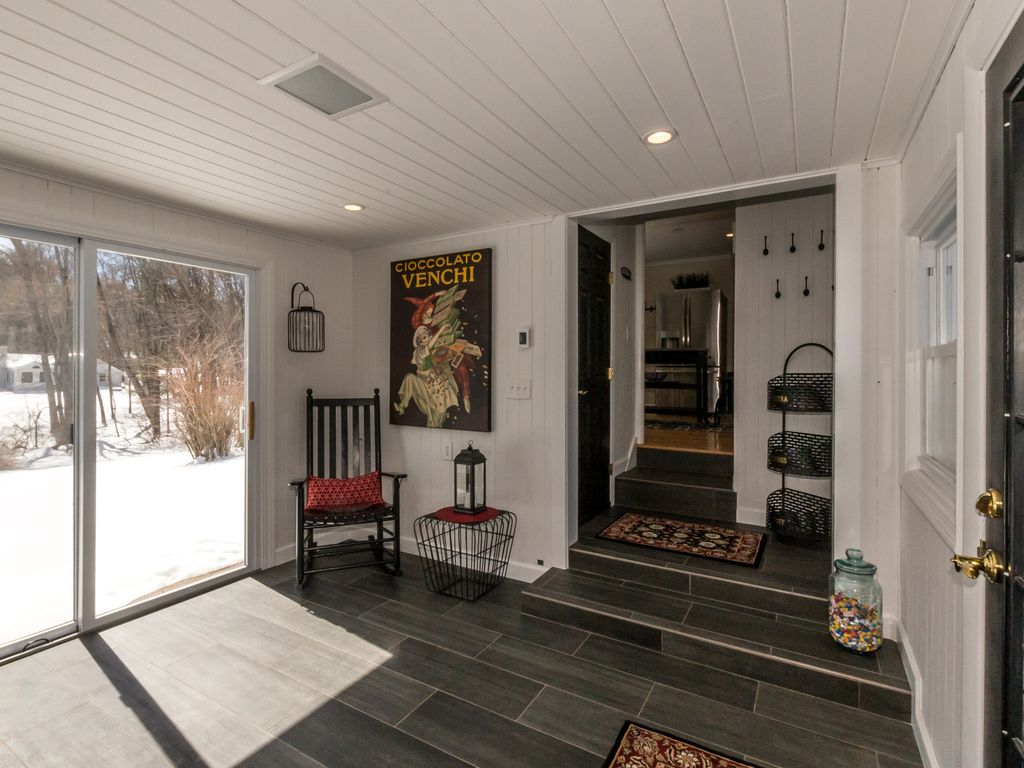 Beautiful One Of A Kind Home in Avon - Close To Avon Old Farms School