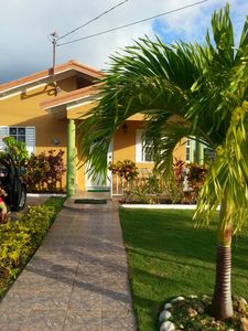 Photo for Home Away From Home Emerald Estate Gated Community 15mins drive to Ochi Rios
