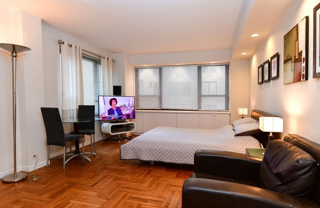 Manhattan Studio Apartment In A Luxury 40 Hour Doorman Building Turtle Bay Custom One Bedroom Apartments In Manhattan
