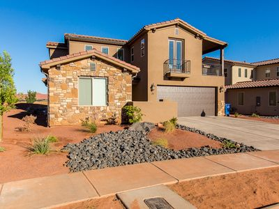 Views!!! Perfect family rental in resort community with fantastic amenities.