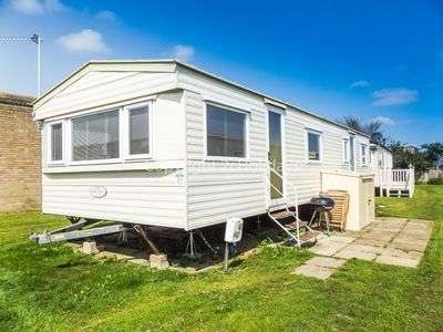 Photo for 5 berth caravan for hire by the beach at California cliffs in Norfolk ref 50031