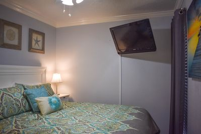Queen Size Bed with Cable TV