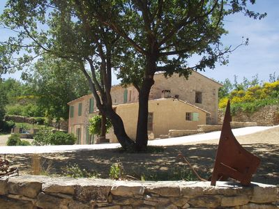 Photo for Renting a detached house with swimming pool in Luberon Park