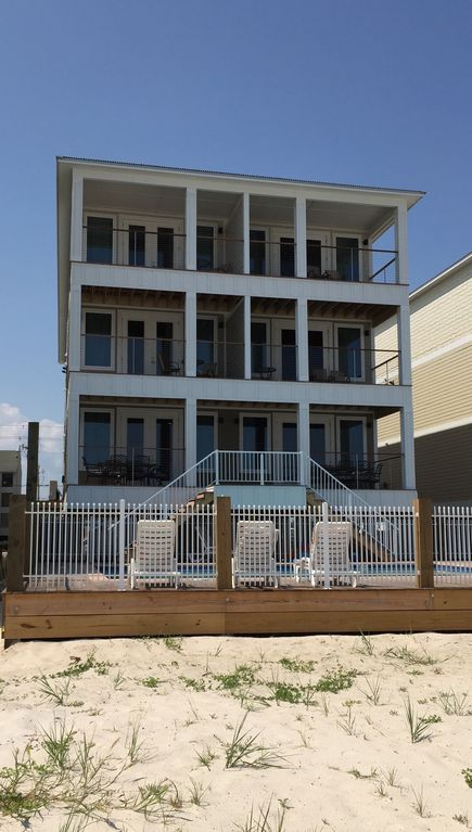 Gulf Front! 16 Bedroom Beach House With Pri...