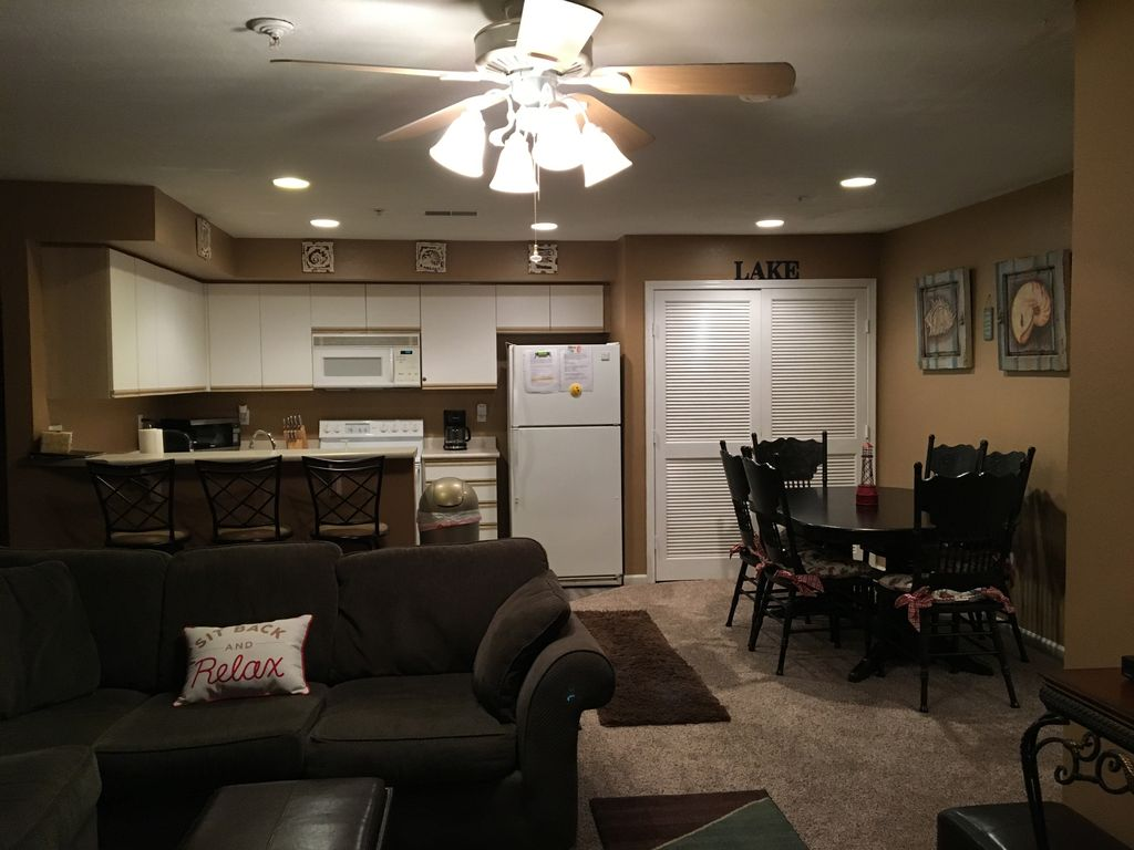 Table Rock Lakefront Condo Resort Family Oriented