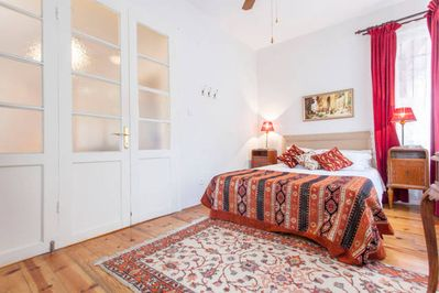 Sultanahmet Garden Apartment with Close View of Blue ...