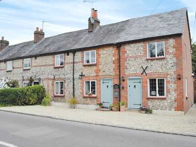 Photo for 1BR House Vacation Rental in Naphill, near Princes Risborough