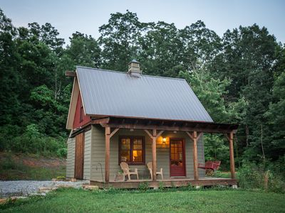Photo for 20 minutes from downtown Chattanooga!  Hot tub, hiking, swimming, kayaking.