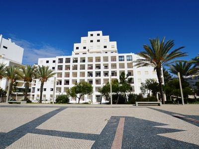 Photo for Standing air-conditioned apartment facing the sea (20 m from the beach)