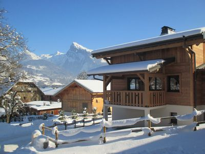 Photo for 8/10 *** Chalet located in the town center 200m from the gondola and slopes