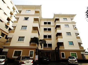 Photo for Corporate Apartment Vacation Rental in Bangkok,