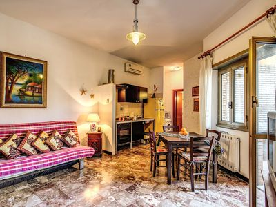 Photo for Ostia Lido: Renovated apartment, ethnic, bright, sea view with wifi