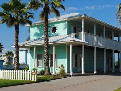 """Photo for Pet Friendly-""""Blue Marlin"""" next to pool & golf cart accessible boardwalk to the beach!"""