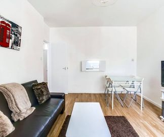 Search 725 holiday rentals