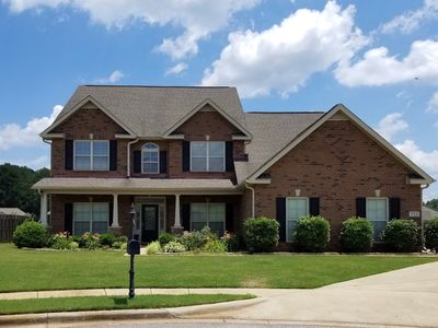 **Beautiful Luxury Executive Home minutes from Redstone Arsenal**