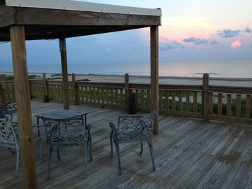 Charming Camp On the Beach! Make Memories! 3bd/2ba + Extra Beds