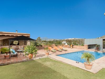 Photo for Independent Villa with a swimming-pool and a BBQ