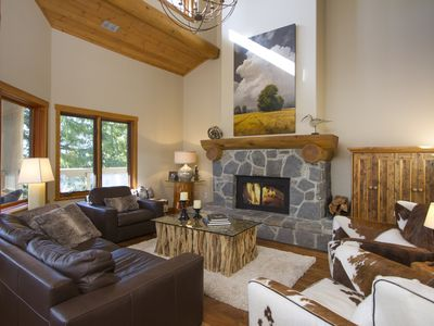 Photo for Luxury ski in/out cabin in the woods