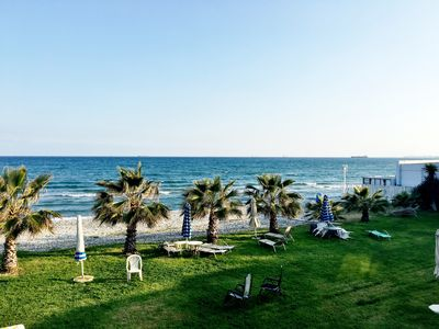 Photo for ★ Beachfront House ▶ 20m to the Beach!★ 2BD/9MAX / WiFi / AC