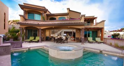 Photo for Amazing Home, Great View, Close to Downtown, Pool, Luxury!