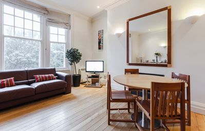 Photo for Superb located 2 bedroom modern apt overlooking Trinity College - sleeps 6