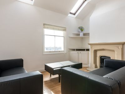 Photo for Modern 3 Bedroom Central Brighton House
