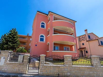 Photo for Apartment MED 454 in Medulin - 5 persons, 2 bedrooms
