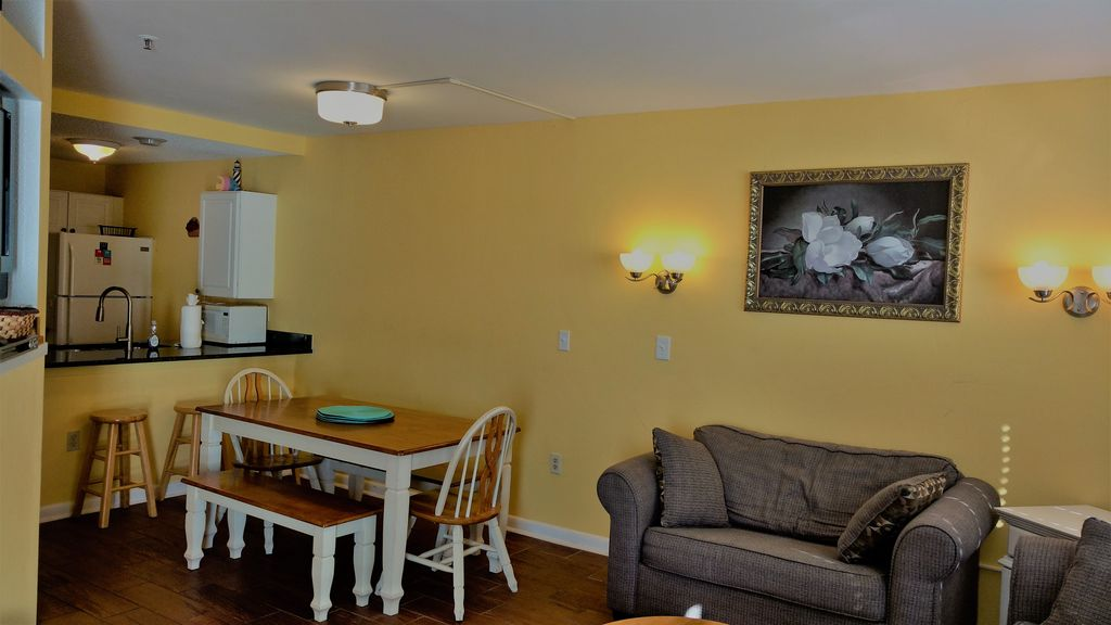 Affordable Direct OceanFront 3 Bedroom Condo Special Fall And Winter Rates S