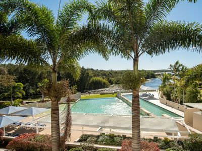 Photo for ⛳️  Relax, Swim, Unwind & Play Golf in Pelican Waters ⛳️