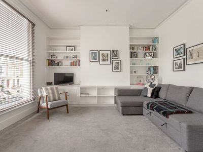 Photo for 1 Bedroom Apartment in Maida Hill