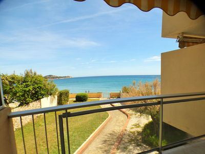 Photo for Fully equipped, sea view, beach opposite, private parking