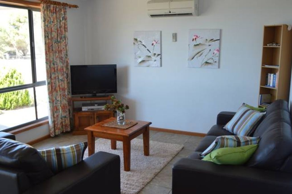 Wintersun Holiday Cottage   King George