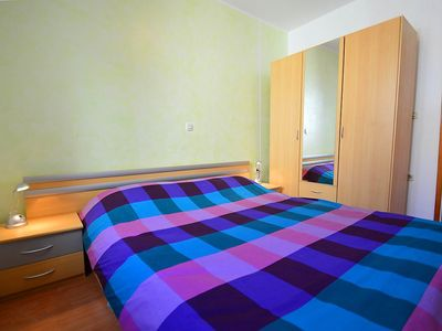 Photo for Apartment in the center of Trget with Internet, Air conditioning, Parking, Terrace (344980)