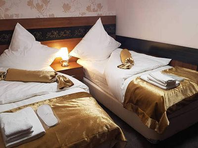 Photo for Quintuple room (1 double room, 3 single beds), incl. Breakfast - Hotel Im Anker