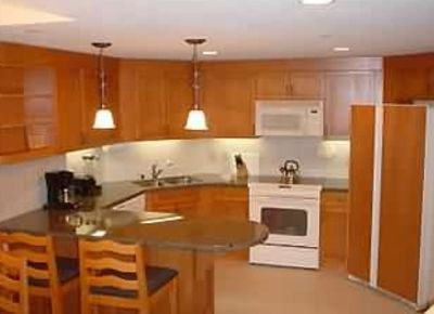 Studio kitchen with all the amenities.