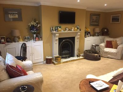 Photo for Fabulous apartment minutes walk to Chelsea next door to Chelsea Football Club