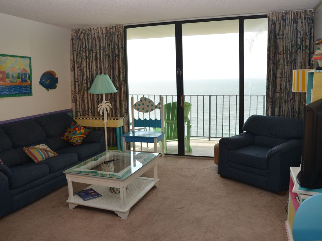 Bright And Colorful Two Bedroom Condo In Family Friendly Garden City Beach Sc Garden City Beach