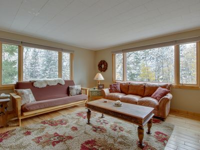 Photo for NEW LISTING! Fully-equipped mountain getaway with kitchen, patio & mountain view