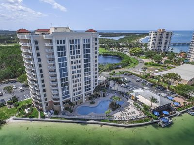 Photo for Bayfront condo with shared hot tub, pool, easy access to the beach!