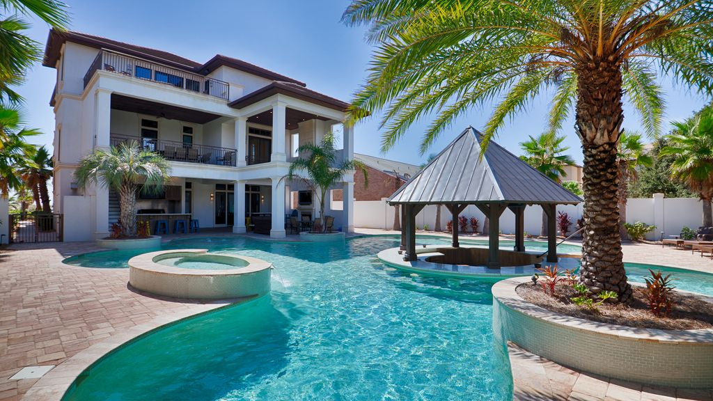 Luxury home resort style private pool 9 b vrbo - Best home swimming pools ...