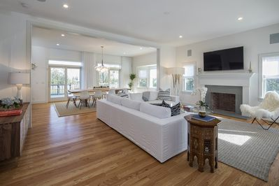 Contemporary Open plan living room & Dining Room with 10' plus high ceilings
