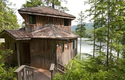 Photo for Treehouse-Style Chalet with Private Deck, BBQ & Free Kayak Use